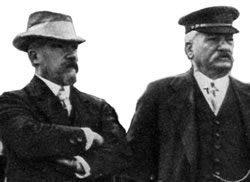 President Poincare and Monsieur Millerand visit the battlefront.