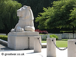 Ploegsteert Memorial to the Missing sculpted lion.