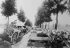 German troops on the march through Belgium, 1914.